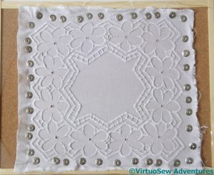 Stretching the Azorean Cutwork